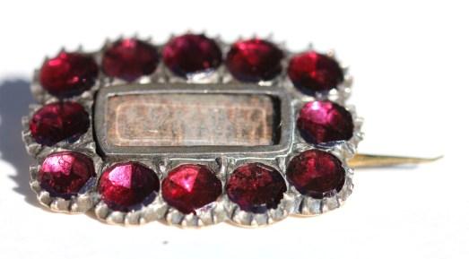 Garnet pin2IMG_1538