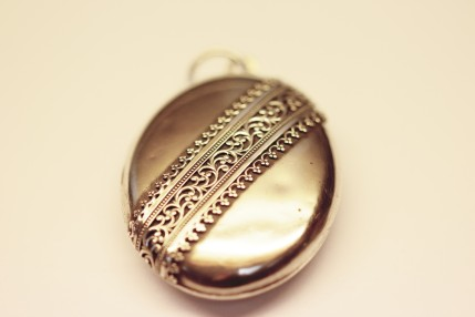 silver-locket-1img_2439