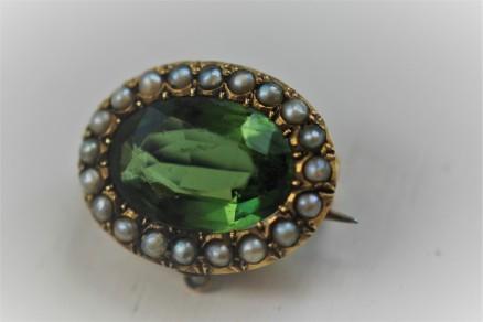 glass seed pearl broochIMG_3403