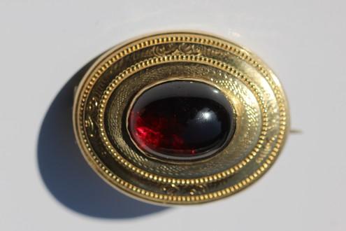 garnet brooch 1IMG_3153