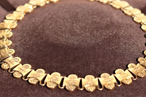 ornate gold collarIMG_3411