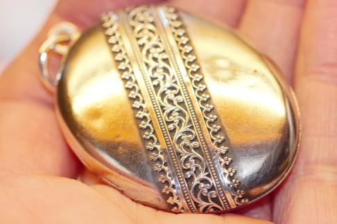 silver locket 2IMG_2446