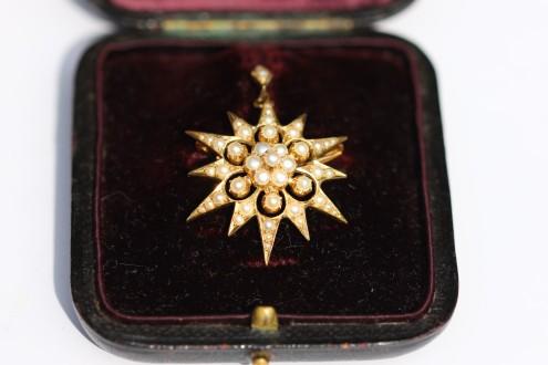 seed pearl brooch pendant boxedIMG_3700
