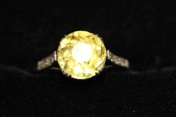 yellow sapphire ringIMG_4940