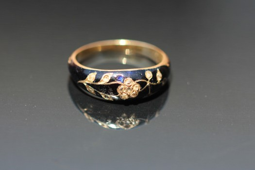 enamel mourning ring img_5492