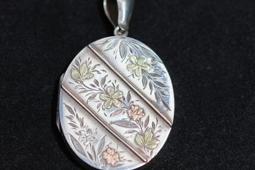 Vic silver locket 1IMG_3736