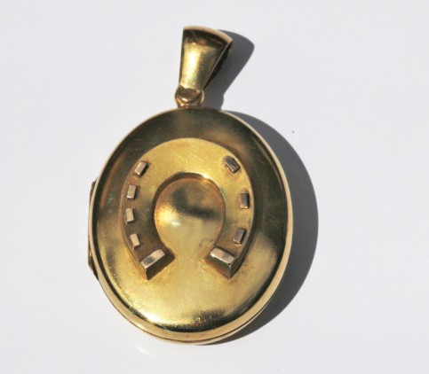 Gold locket 1IMG_2770
