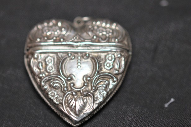 silver heart 1IMG_7037